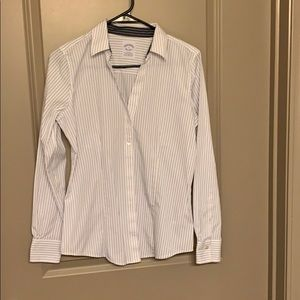 Brooks Brothers button down shirt fitted, size 4